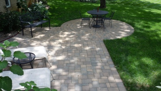 Willow Creek Lakeshore Blend Patio in Minnetrista