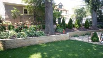 Minneapolis Kasota Stone Wall with Landscaping