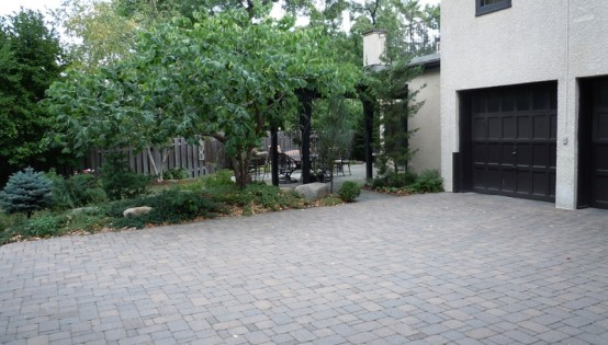 Paver driveway and plantings in Minneapolis