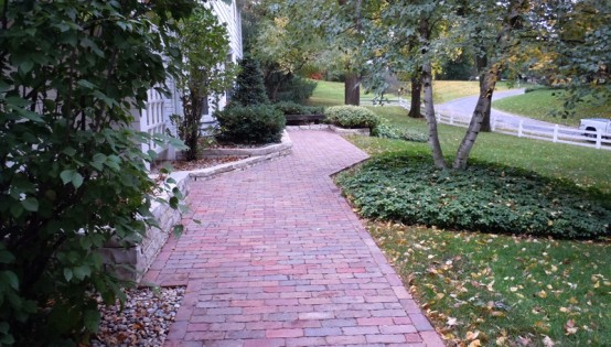 Reclaimed Purrington clay paver sidewalk in Edina, MN