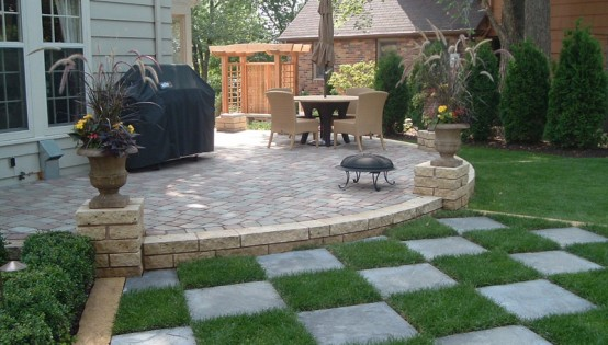 Belgard Paver Patio with Kasota stone wall and Bluestone in St. Paul